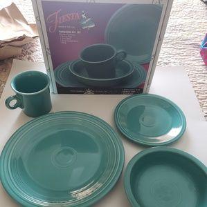 Fiesta turquoise 831 set